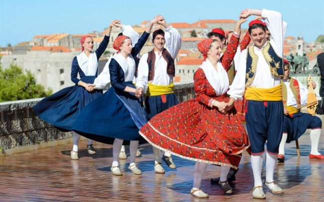 traditional Dubrovnik dance - Lindo show